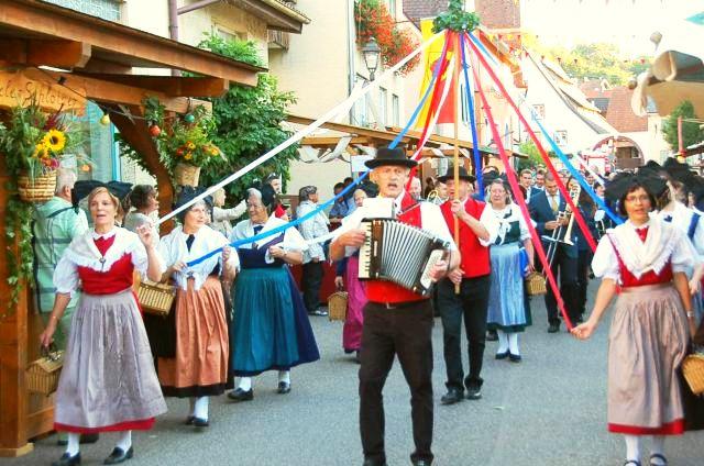 Gassen- Weinfest 2015 Einzug